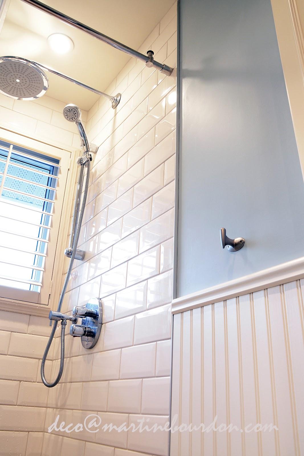 salle de bain champêtre_lambris_céramique_