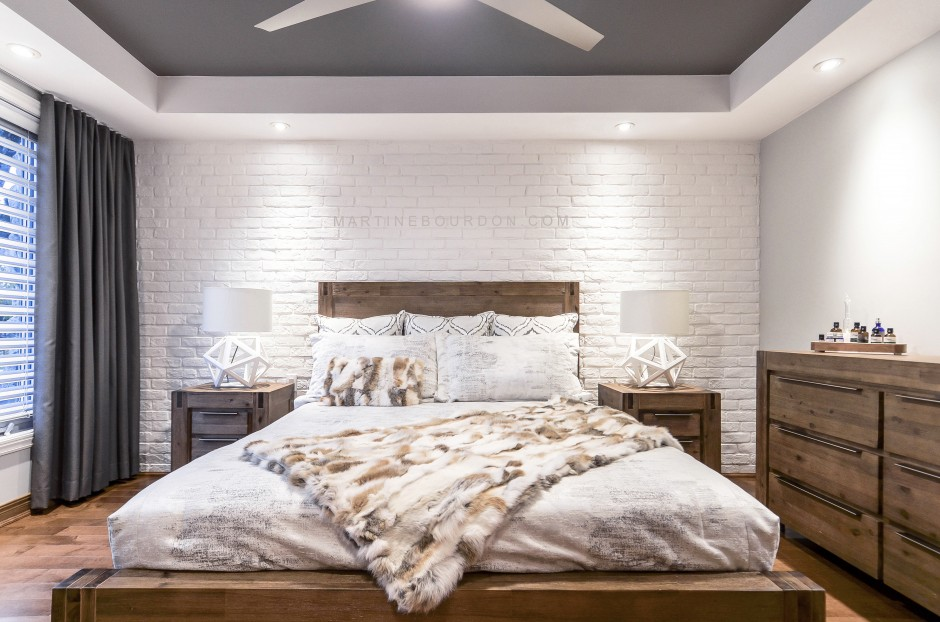 chambre brique blanche et bois