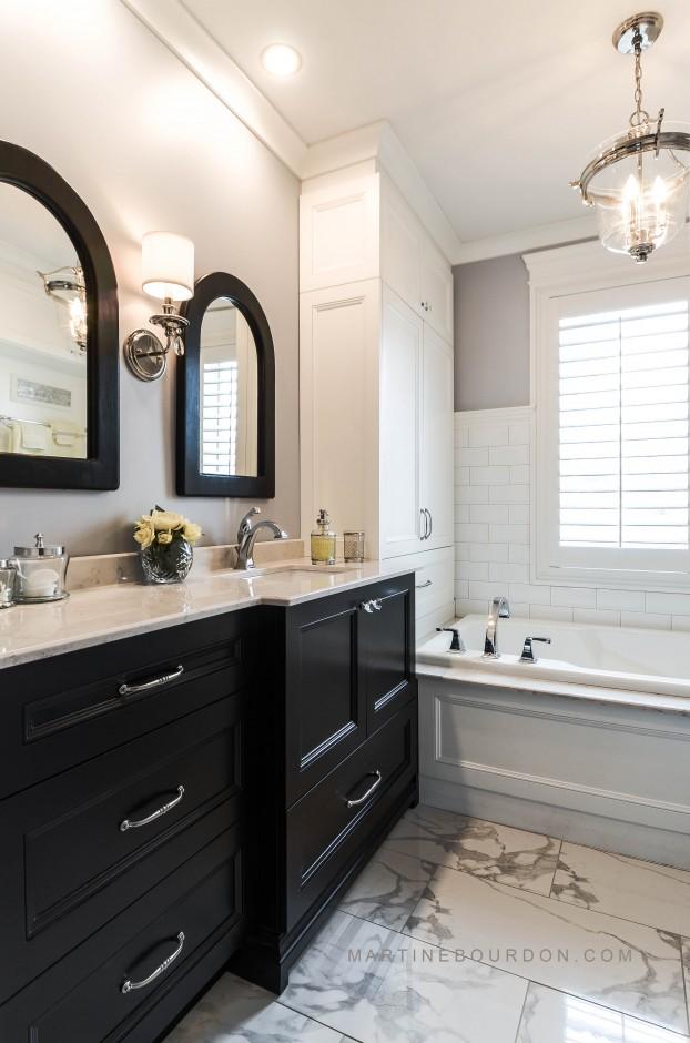 salle de bain classique après les rénovations
